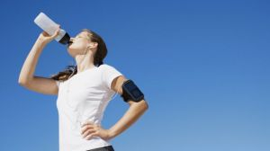 woman-drinking-healthy-hydration_650x366